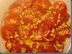 Tomat- og hvitløksalat