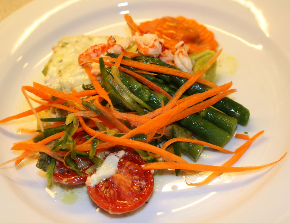 Gorgonzolabakt laksefilét med asparges