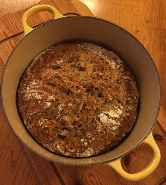Nydelig eltefritt brød med frø og kjerner
