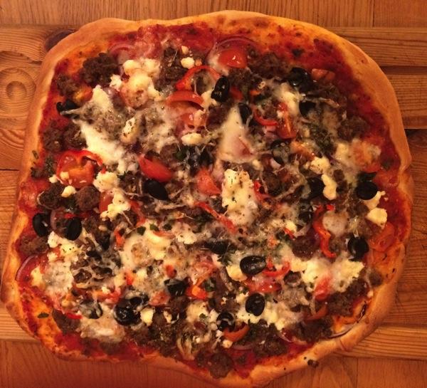 Pizza med greske smaker