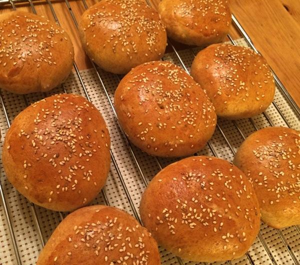 Hamburgerbrød med spelt