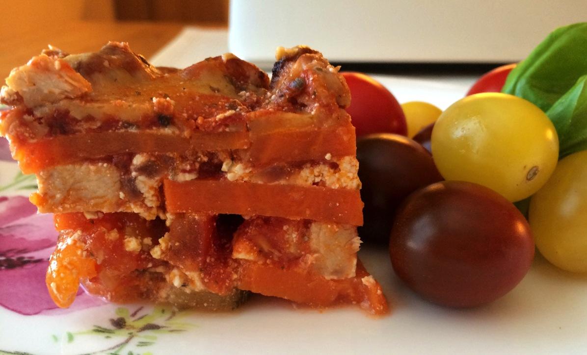 Søtpotetlasagne med kylling, tomater og squash