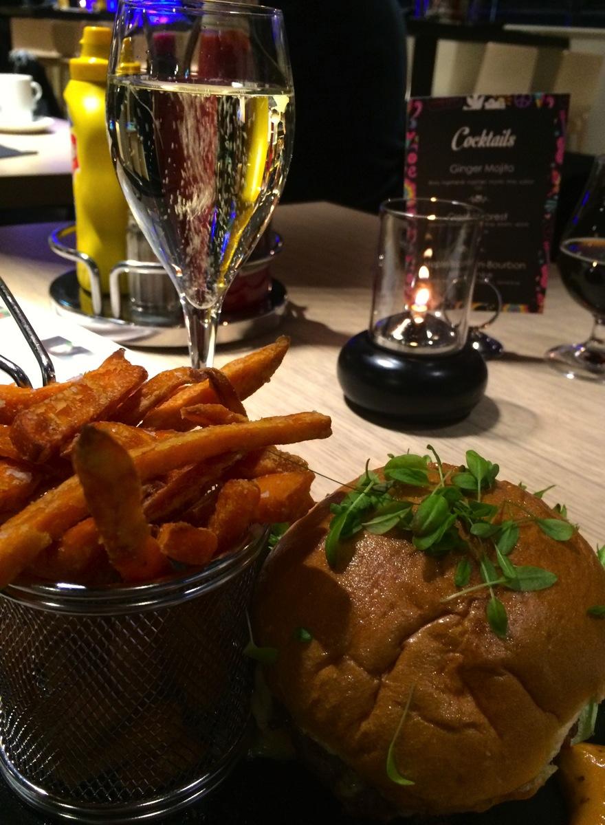 Byens beste burger på Opland Burger & Steak?
