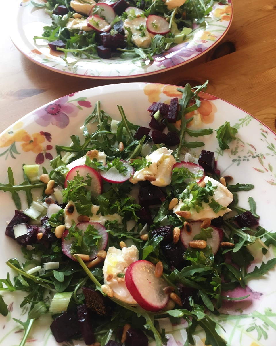 Salat med beter og chevre