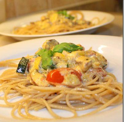 Pasta med chorizo, creme fraiche og gorgonzola