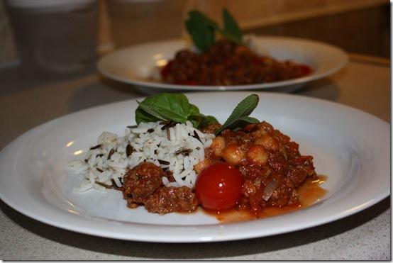 Spicy gryte med karbonade, tomater og kikerter