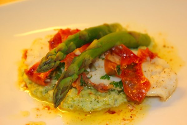 Torsk med skinke og blomkål/ broccolikrem