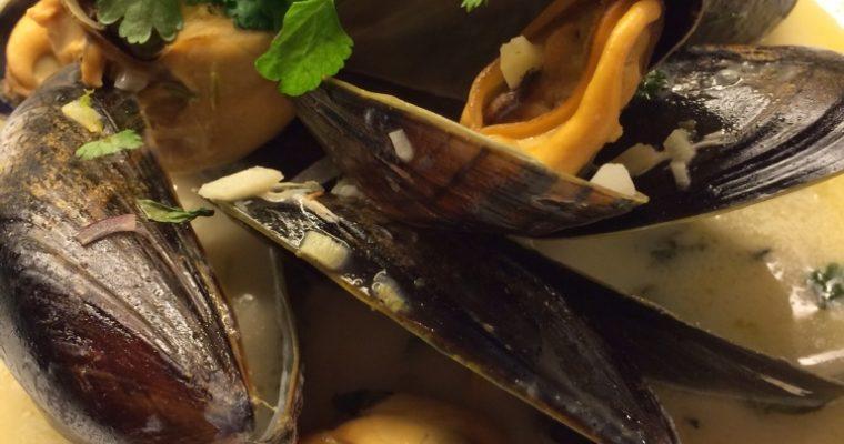 Spicy blåskjell med lime og kokosmelk
