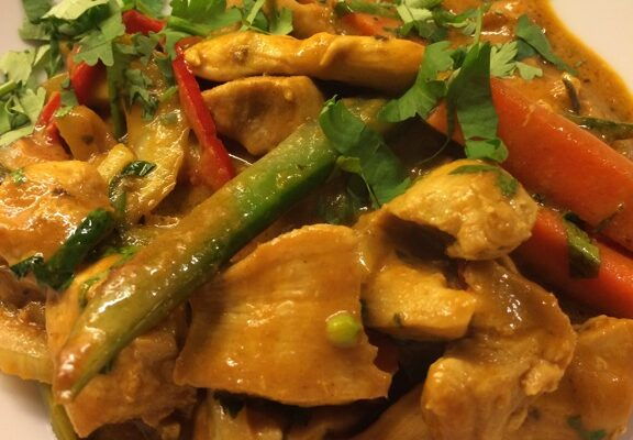 Thailandsk gul curry med Prik Naam Plah