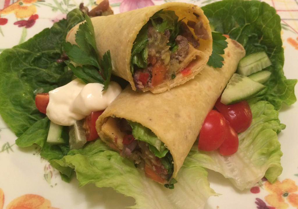 Grønnsaks- og kyllingtacos med fetaost