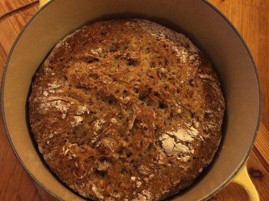 Eltefritt brød med frø og kjerner