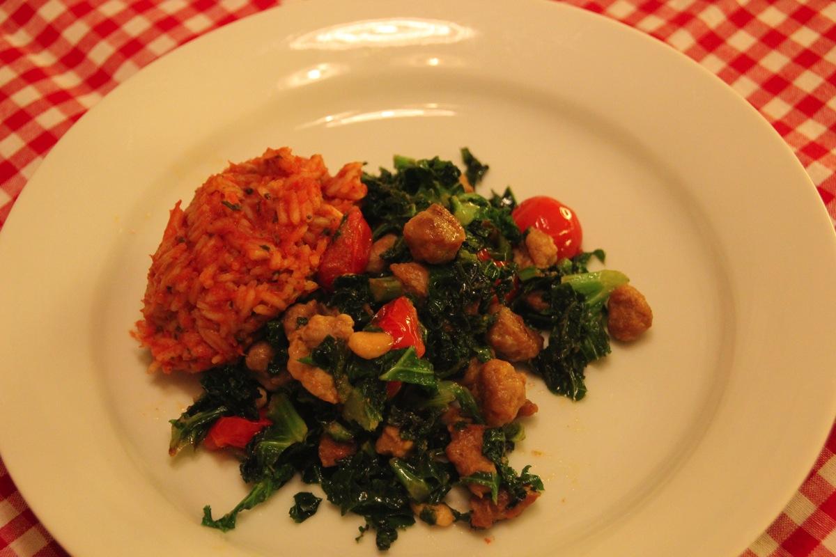 Grønnkål med chorizo og tomatris