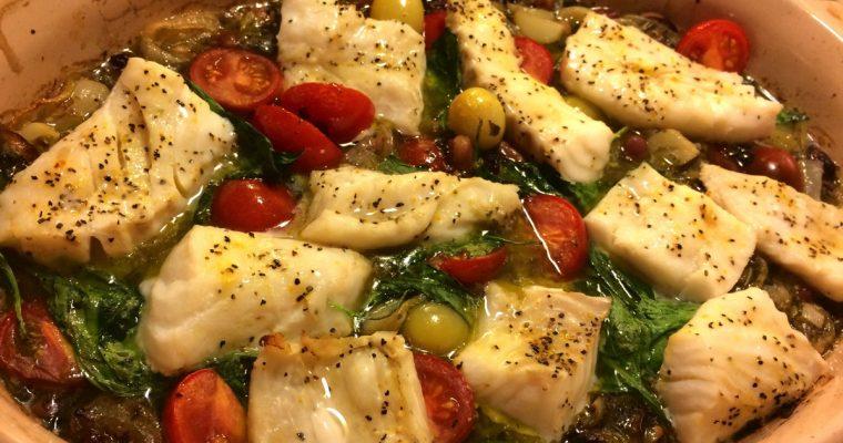 Fiskeform med spinat og tomater