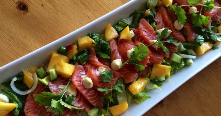 Sashimi med mangosalat og ponzusaus