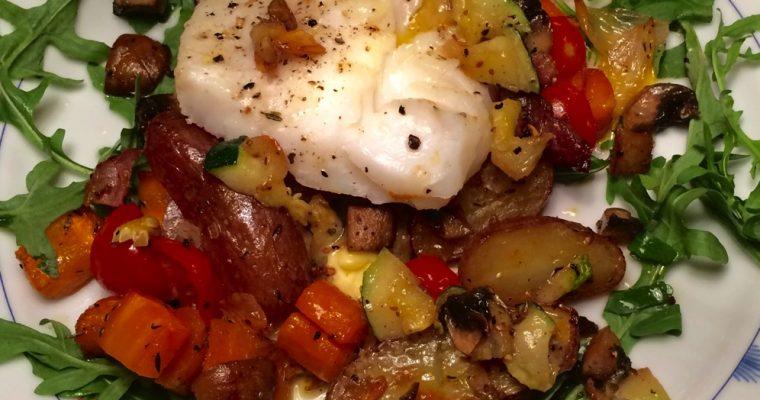 Ovnsbakt torskefilét med sjampinjong, bacon og grønnsaker