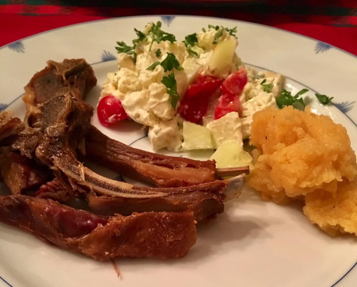Restemiddag med pinnekjøtt og potetsalat