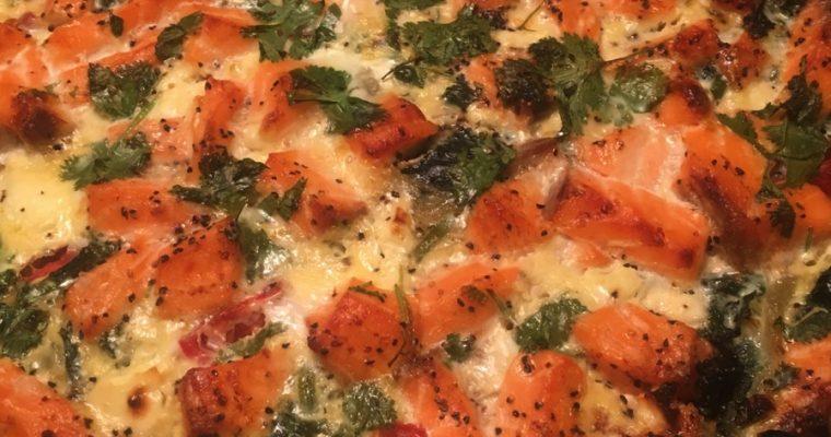 Laksepai med spinat, grønnkål og feta