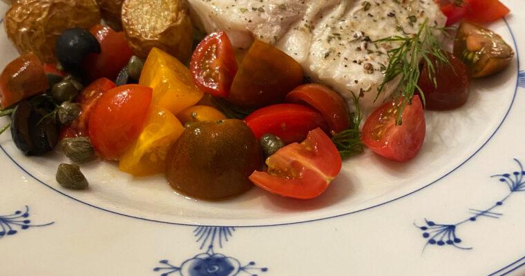 Kveitefilét med ertepuré, bacon og ovnsbakte perlepoteter