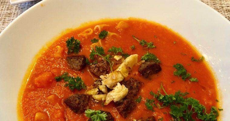 Gulrot- og tomatsuppe